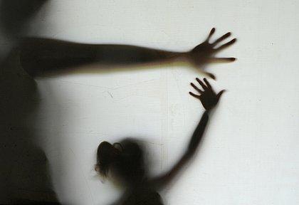 Brasil registra 10 estupros coletivos por dia, segundo Ministério da Saúde