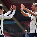 Son e Kane comandaram a vitória do Tottenham sobre o Southampton