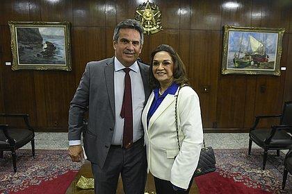 Mãe de Ciro Nogueira assume cadeira no Senado: 'Espantada, mas à disposição'