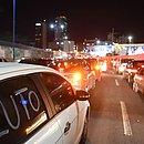 Motoristas de Uber e 99 fizeram protestos pela cidade
