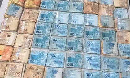 Homem é flagrado na Bahia com R$ 110 mil e diz não saber a procedência do dinheiro