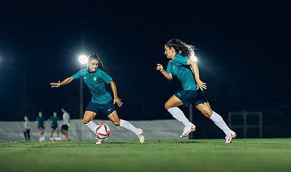 Seleção feminina treina de olho no confronto com a Holanda