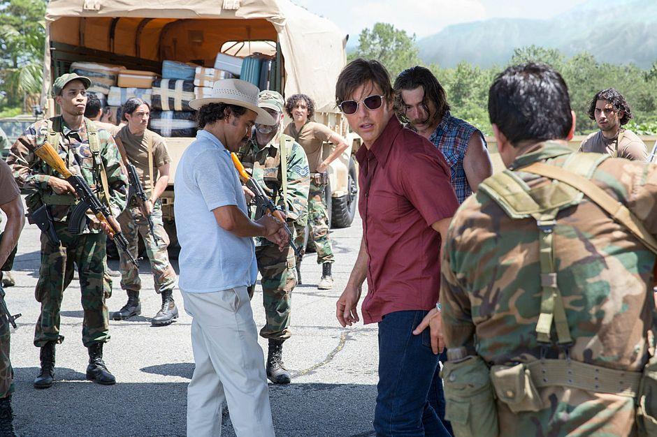 Tom Cruise brinca com o perigo mais uma vez em Feito na América