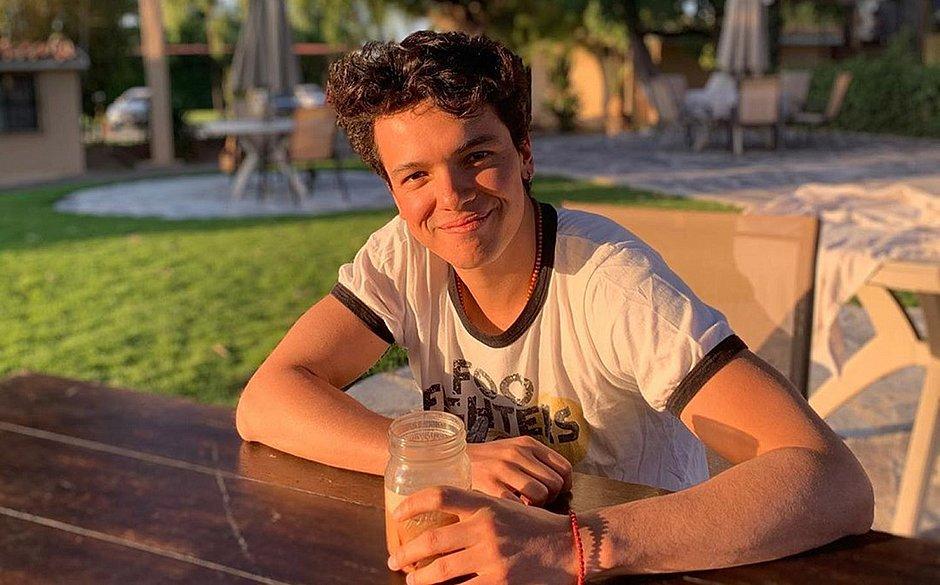 Sebastian Athié, ator da Disney, morre aos 24 anos