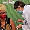 Vanuza Kaimbé  foi vacinada no domingo (17) em São Paulo