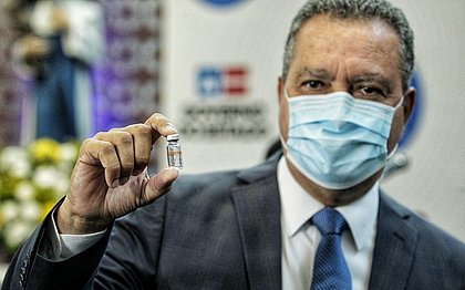 Após lei que autoriza compra de vacinas, Rui quer chegada da Sputnik com urgência