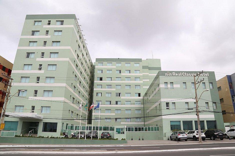 Tarifas baixas e excursões: hotéis baianos inovam para atrair clientes no réveillon
