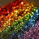 A limpeza do glitter em aparelhos eletrônicos, como o celular, não pode ser feita de qualquer jeito