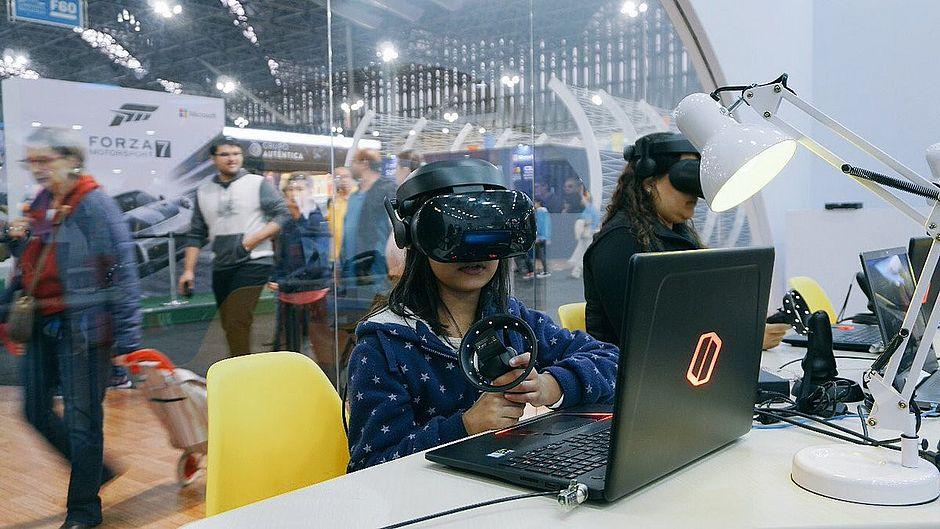 Realidade virtual vai ser algo comum nas salas de aula, que já não terão cadeiras em filas
