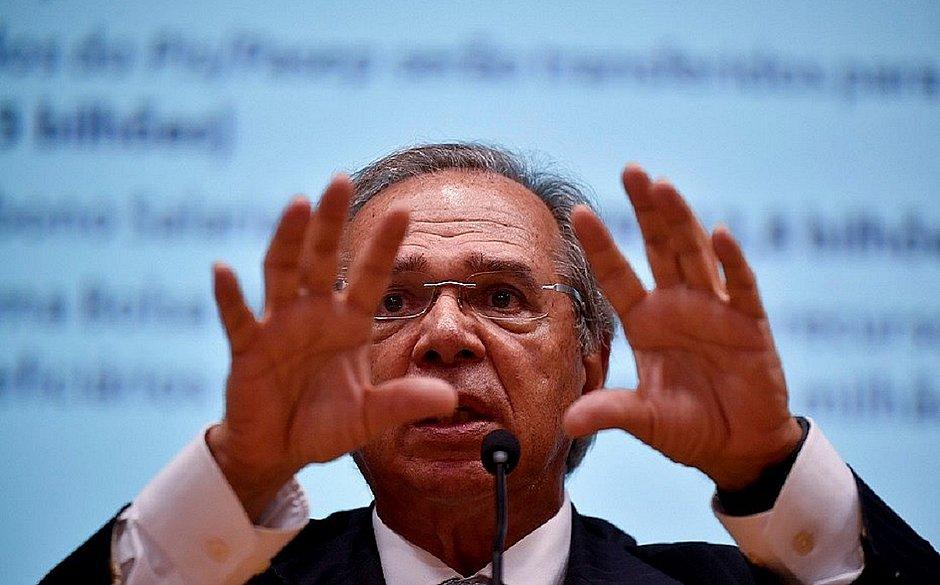 Paulo Guedes diz que salário de R$ 39 mil de ministro do STF é 'muito baixo'