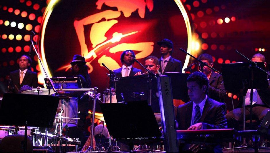 Orquestra homenageia Bossa Nova em show no Festival da Primavera