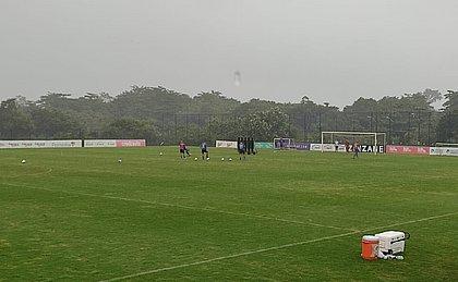 A chuva não atrapalhou a preparação do Bahia no CT Evaristo de Macedo