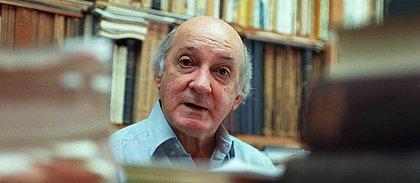 O escritor e crítico musical José Ramos Tinhorão