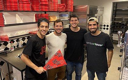Empresários abriram pizzaria em meio à crise