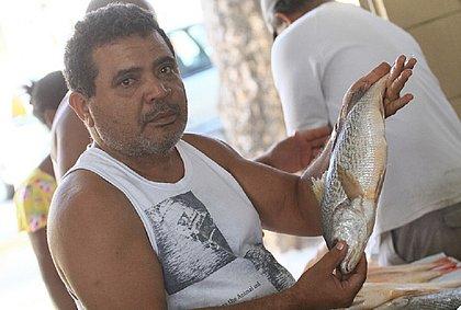 Pescador Reinaldo Santos, que atua na área há 30 anos