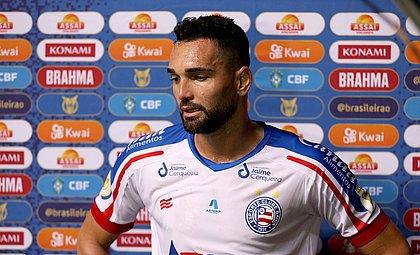 Gilberto marcou dois gols nos acréscimos, mas não impediu a derrota do Bahia em casa