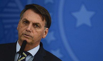 Bolsonaro critica bloqueio do Face e diz que o 'certo seria tirar jornais de circulação'