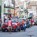 Boca do Rio registra intenso movimento de pessoas e veículos
