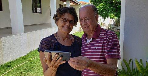 Casal resolveu se proteger ao lado do filho em Guarajuba