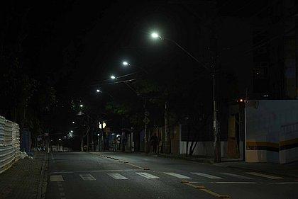 Prefeitura entrega modernização na iluminação no Engenho Velho da Federação