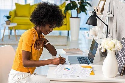 As microfranquias atraem principalmente o interesse de quem deseja trabalhar em casa e fazer os próprios horários