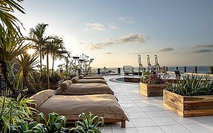 O espaço possibilita uma das vistas mais bonitas da Baía de Todos os Santos e do Porto de Salvador