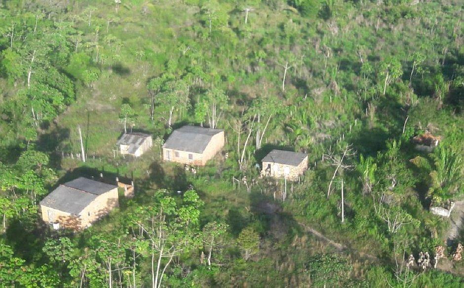 Os acampamentos eram usados por uma facção criminosa