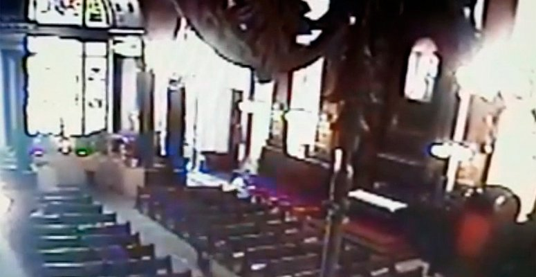 https://www.correio24horas.com.br/noticia/nid/video-mostra-acao-de-atirador-que-matou-4-em-igreja-em-sp-veja/