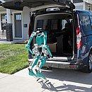 O robô Digit, produzido pela Agility Robotics, tem braços e pernas e é capaz de interagir com seres humanos.  Está sendo testado para fazer entregas nos EUA