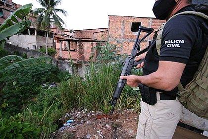 100 policiais cumprem mandados em 2ª fase de operação contra roubos a bancos