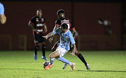 Com Londrina, Vitória perde para terceiro rival direto em casa
