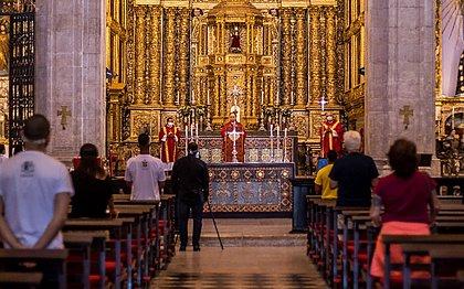 Confira locais e horários das missas da quarta-feira de Cinzas em Salvador