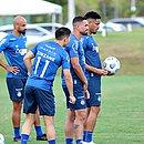 Grupo tricolor conta com 47 jogadores entre elenco principal, base e transição