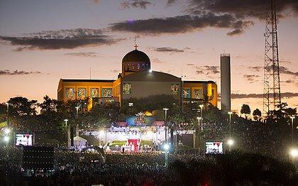 Turismo de fé: Trindade (GO) recebe milhões na festa do Divino Pai Eterno