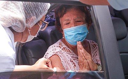 Vacinação é retomada neste sábado (27) em Lauro de Freitas
