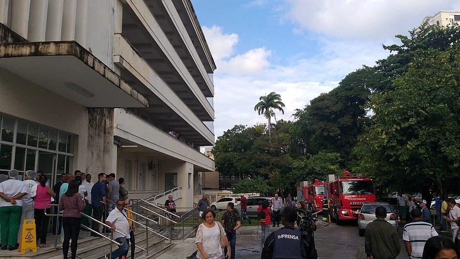 Incêndio atinge Hospital das Clínicas da Ufba, em Salvador