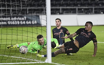 Gabriel Jesus marcou um dos gols na classificação do City