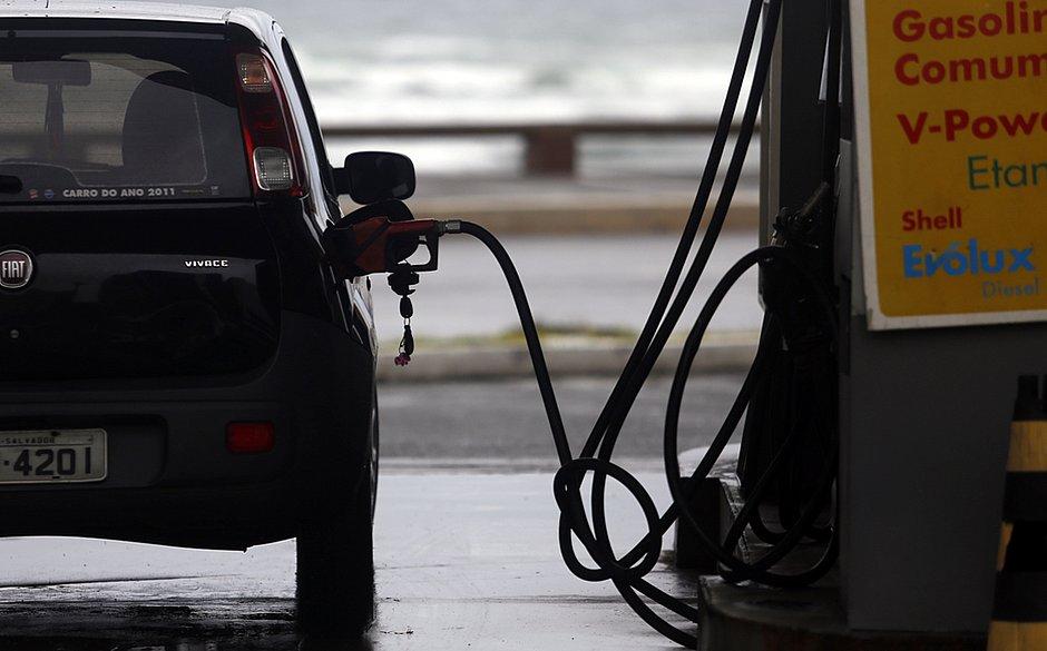 Preço dos combustíveis em Salvador é tema de audiência nesta sexta