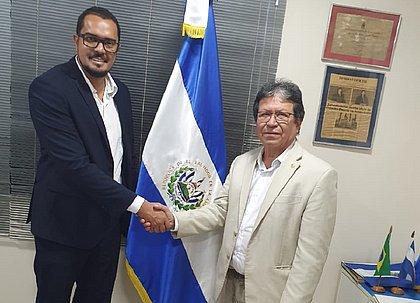 Baiano de Irará assume cargo na Câmara de Comércio El Salvador-Brasil