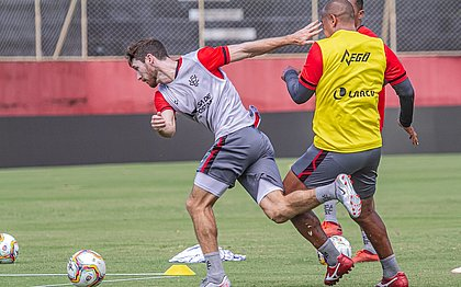 Raul Prata e Walter participaram do trabalho com bola