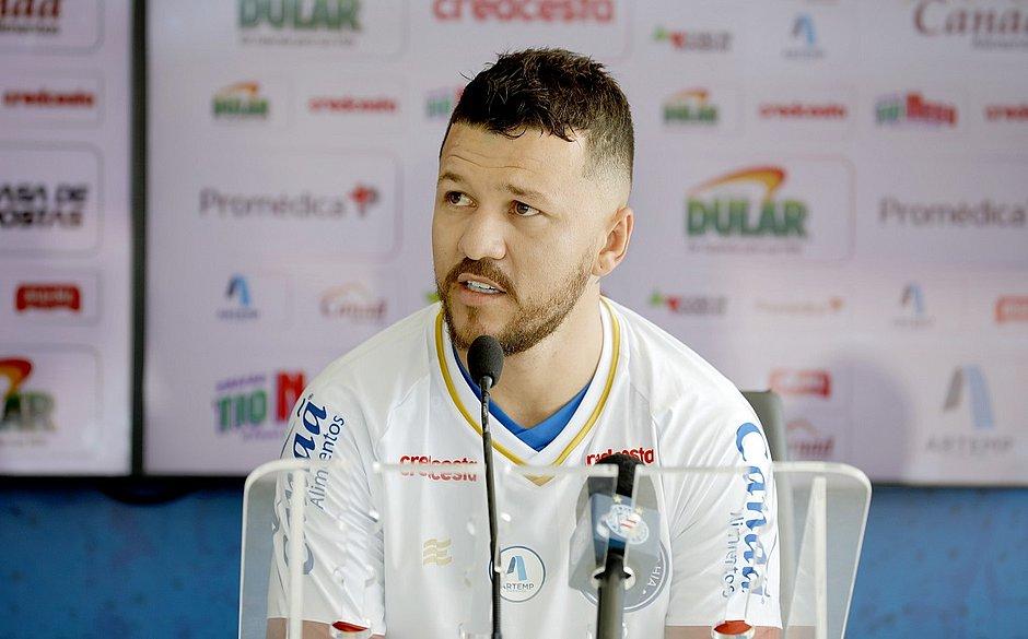 'Quero encher os centroavantes de gols', planeja o atacante Rossi