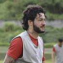 Fernando Neto é um dos pilares do meio-campo do Vitória na Série B