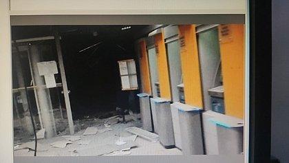 'A cidade está aterrorizada até agora', diz moradora após explosão de três agências