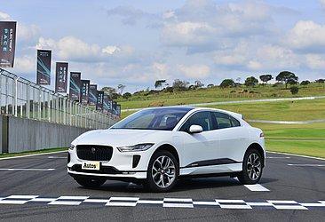 A Jaguar foi a primeira a oferecer um SUV elétrico no Brasil, o I-Pace