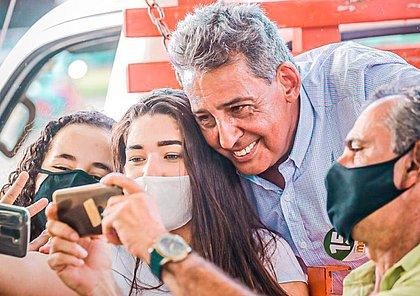 Sebastião Melo supera Manuela D'Ávila e é eleito prefeito de Porto Alegre