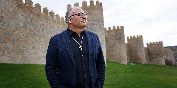 'Estamos em um tempo muito bélico do mundo', diz Guilherme Arantes