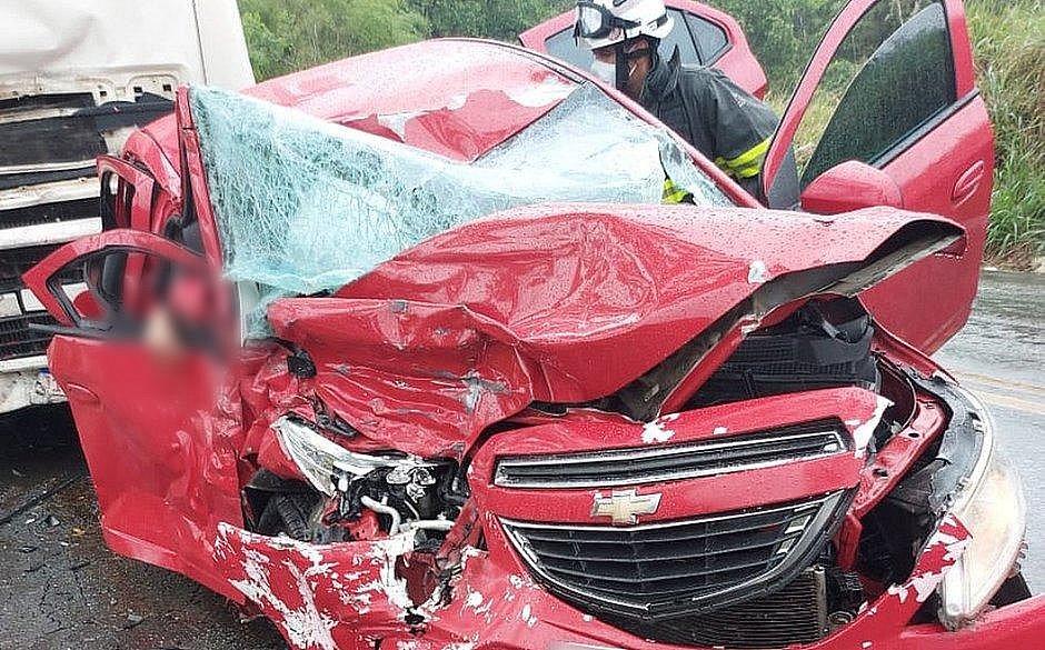 Duas mulheres morrem e uma fica ferida em acidente na BR-101