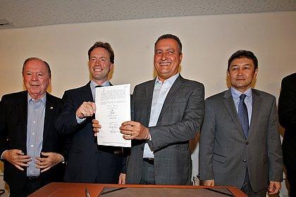 Governador  Rui Costa e dirigentes da Bamin assinam termo de unificação dos terminais   do Porto Sul