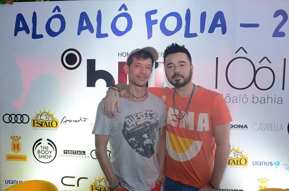 André Piva e Carlos Tufvesson em festa carnavalesca promovida pelo Alô Alô Bahia.