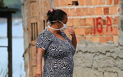 Mau cheiro fez alguns moradores usarem máscaras